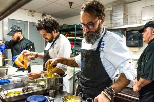 ultimos-trabajos-two-many-chefs